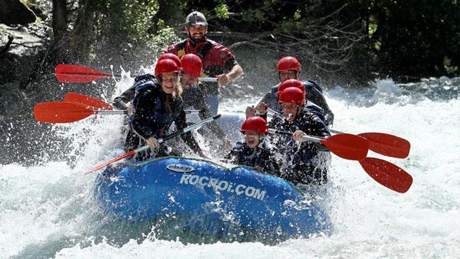 Siente la adrenalina del rafting